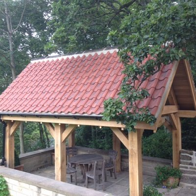 Oak-Built Garden Shelter